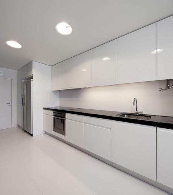 Concept Redecoreaza si remobileaza bucataria in alb