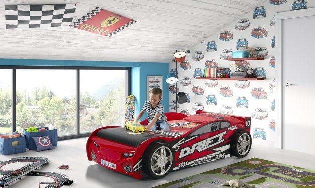 Patuturi din lemn personalizate cu masini de curse pentru copii