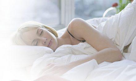 Despre pernele cu memorie recomandate in functie de somnul tau