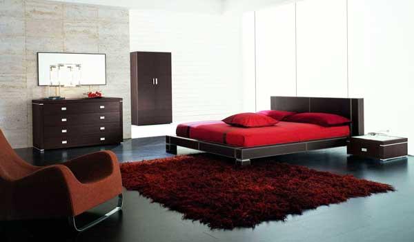 Decorarea cu stil a dormitorului in culori vii puternice aprinse