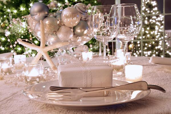 Idei elegante pentru decorarea mesei de Craciun