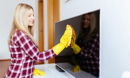 Kit-uri, solutii si metode de curatare a ecranelor TV sau de laptop